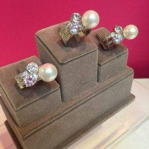 PACK OF 3 PEARL & CRYSTAL RING SIZES 17/18/19